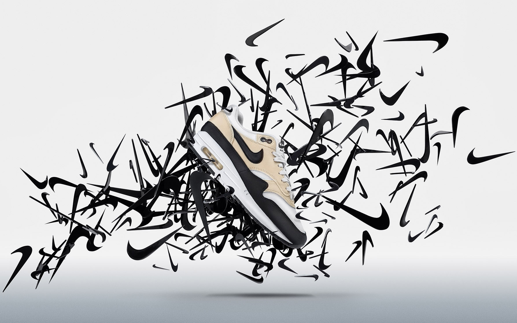 Nike Air Max ©Neal Grundy