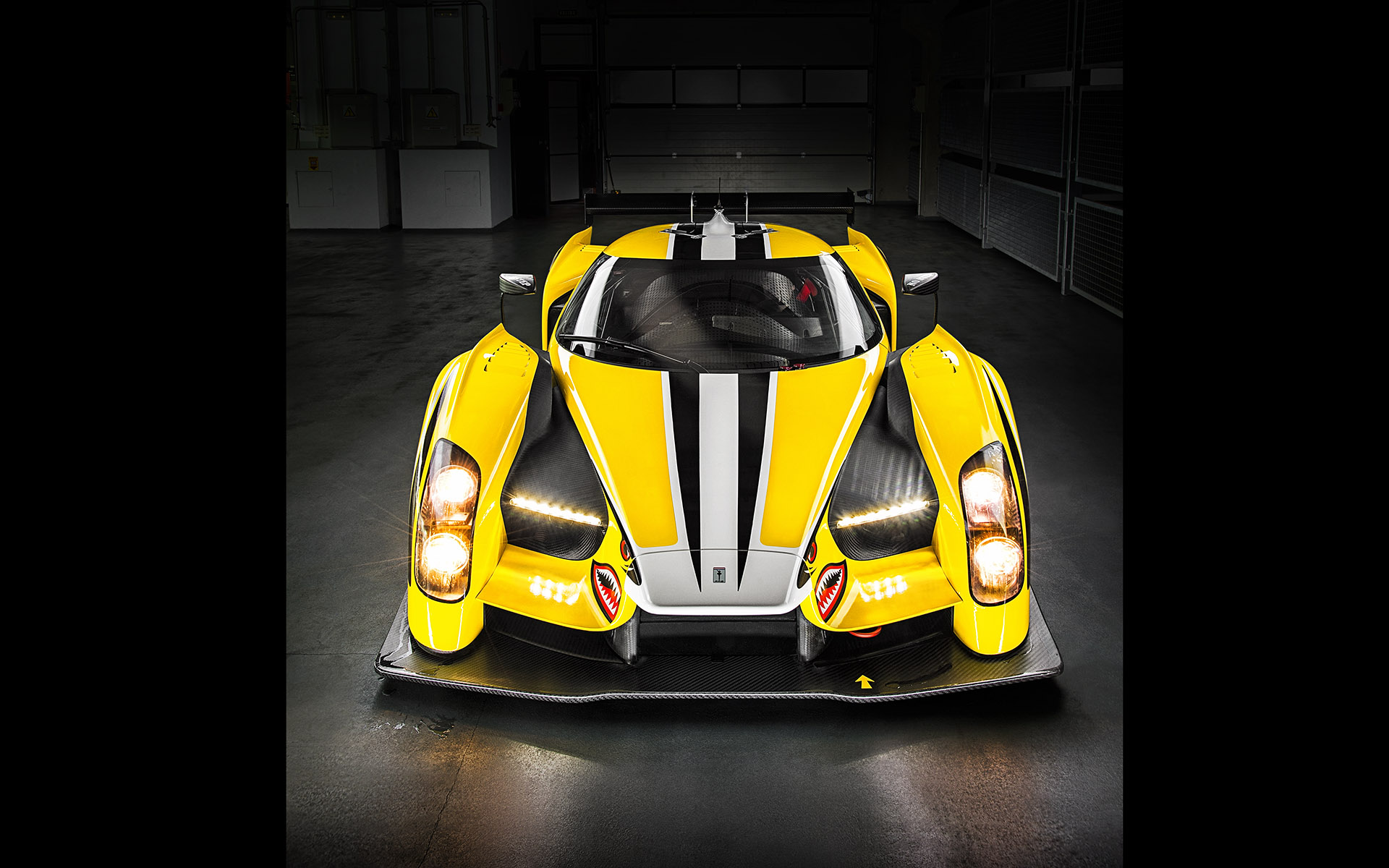 Glickenhaus SCG003 Road & Track magazine ©Tom Salt