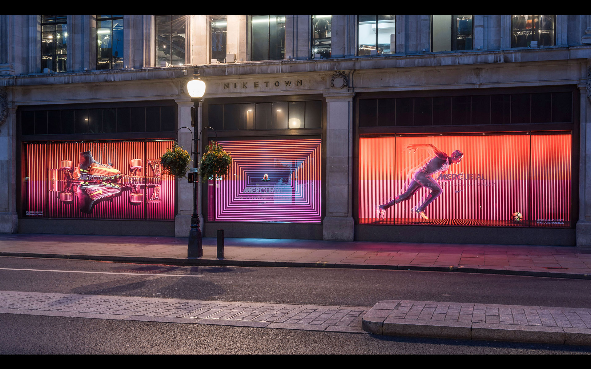 Niketown • Nike Art Director: David Chen • Creative agency: Intro • Director: Julian Gibbs
